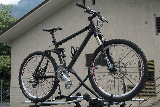 Canyon ES7 mit Rock Shox Lyrik und DT Swiss EX1750  - 1
